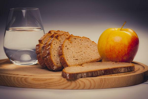 Диета на хлебе и воде: насколько можно похудеть, результаты и.