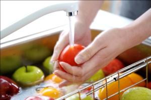 Очищение фруктов